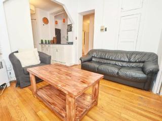 Furnished 3-Bedroom Apartment at Elizabeth St & Prince St New York, Newark