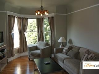Furnished 2-Bedroom Apartment at Duboce Ave & Belcher St San Francisco, São Francisco