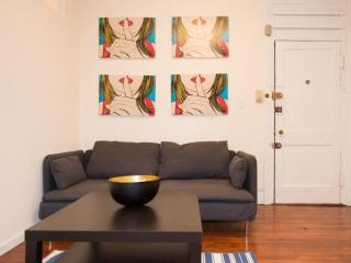 FULLY FURNISHED, NEWLY RENOVATED AND SPACIOUS 4 BEDROOM, 1 BATHROOM APARTMENT, Newark