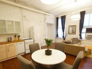 CLEAN AND WELL-APPOINTED 4 BEDROOM, 1 BATHROOM APARTMENT, Newark
