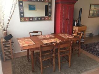 Furnished Cottage at Rosecrans Ave & Alma Ave Manhattan Beach