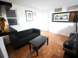 Beautiful and Perfectly Located 3 Bedroom Apartment - New York, Newark