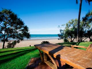 Beachfront Zilzie Holiday Homes 2 Separate Places