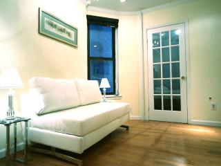 Gramercy 2 Bed Charm