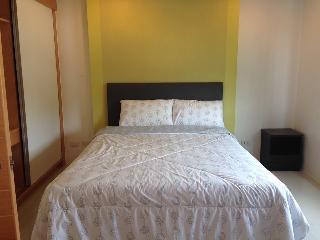 Cozy stay near Kathu Golf w/wifi, gym, pool 329