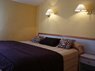 Habitación con cama doble o 2 camas individuales.