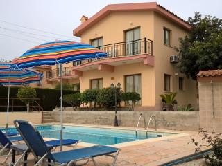 Kapsalia Holiday Villa
