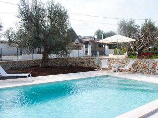 Trullo di Sabina with pool - on Monopoli hills