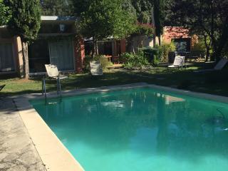 VIlla contemporaine avec piscine proche Avignon, Pujaut