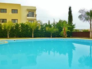 1 bedroom flat on complex with pool & gym, Oroklini