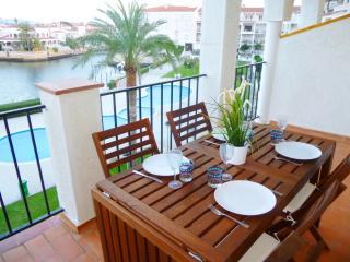 0137-SANT MAURICI Apartamento con vista al canal y piscina