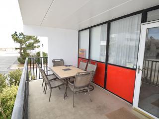 Chair,Furniture,Tree,Indoors,Room