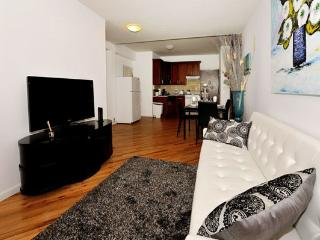 Trendy 4BR/2BA Chelsea Apartment for 10 in NYC!, New York City
