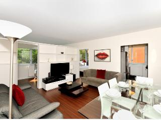 Sublime 4BR/2BA Luxury Apt in Gramercy for 8 - NYC, New York City