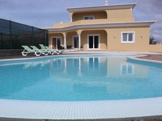 Fabulous 4 Bedroom Infinity Pool Villa, Porches