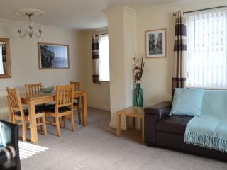 Modern Apartment with Free Parking, York
