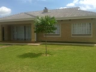 Cozy  fully furnitured 3 bedroomed house $58/night, Harare