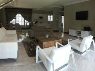 Villa Moshay- ultra modern,luxurious self catering, Johannesburg