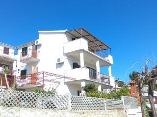 AV Rako Apartment 2, Okrug Gornji