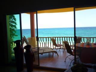 Condo Playa Blanca B201, Buenavista
