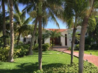 Private Spanish Style 3 BR Villa with Pool