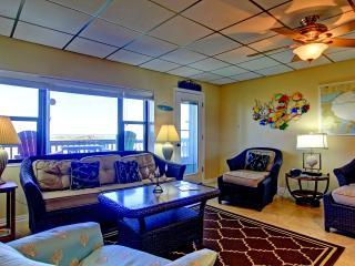 Buena Vista, 3 bedroom condo with beachfront views, Port Aransas