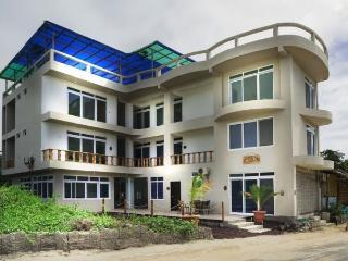 HOTEL CALLY, Puerto Villamil