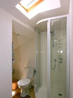 Salle de douche de la Chambre N°4 avec WC et douche