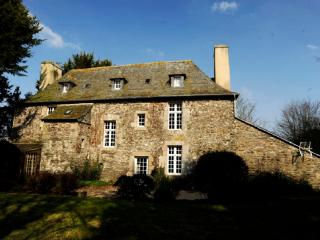 Back of the Manoir