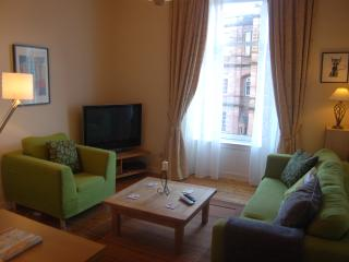 Bright and sunny west end 2 bedroom flat