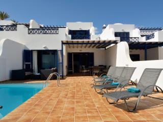 Amplia Villa con piscina privada y vistas al mar
