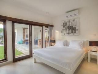 Villa Arria Jl. Laksmana Seminyak 3 BDR private pool