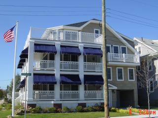 Newly Built Upper Cottage 5BR 3.5Bath w Elevator!, Ocean City