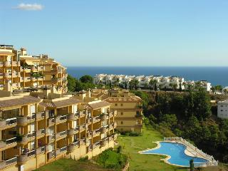 2 Bed penthouse, rooftop terrace, panoramic views, Sitio de Calahonda