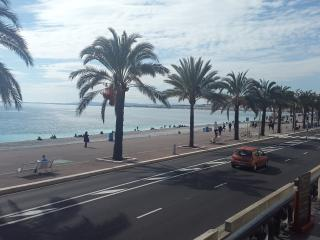 Great Location For Beach, Shops And Restaurants