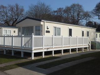 Luxury Platinum Grade Static Caravan at 5* Hoburne Park Christchurch