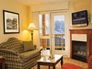 Lake Louise Inn Deluxe 1 Bedroom Suite