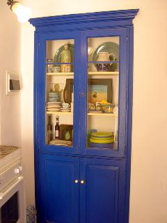 'Vetrina' cupboard in kitchen