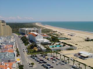 Prime Location at Algarve's Best Beach MONTE GORDO, in Hotels Zone next to Beach