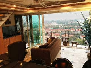 2BR Penthouse with Mountain View, Chiang Mai