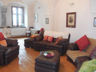 Seating/lounge area