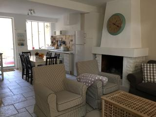 Charming Townhouse in the Heart of Provence, L'Isle-sur-la-Sorgue