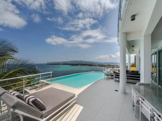 The most exclusive villa for rent, an amazing view, Borácay