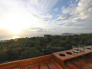 Beautiful 3 Bedroom Condo with Amazing Ocean View, Tamarindo