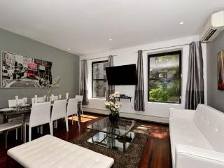 Trendy 3BR/2BA by Central Park - Upper West Side (100% Legal), New York