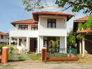 Thisara Holidays - Standard Rooms, Negombo