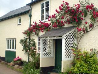 Forge Cottage, Wootton Courtenay - Cottage in quiet Exmoor village - Sleeps 2/3
