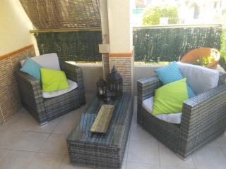 Poolside holiday home, La Marina