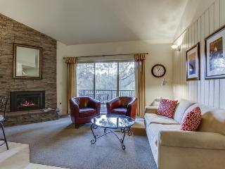Convenient Mt. Bachelor condo w/ shared hot tub & swimming pool