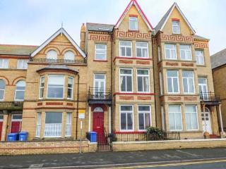 RATHMINES large seafront Victorian terrace, en-suites, garden, WiFi in Rhyl Ref 917519